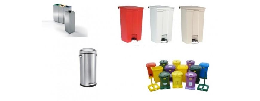 Кош за отпадъци от различни материали: пластмаса, метал, с педал, кош- пепелник изработен от неръждаема стомана, чували за смет.